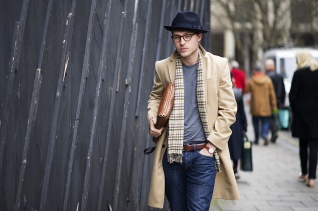 menswear-street-style-navy-hat-camel-coat