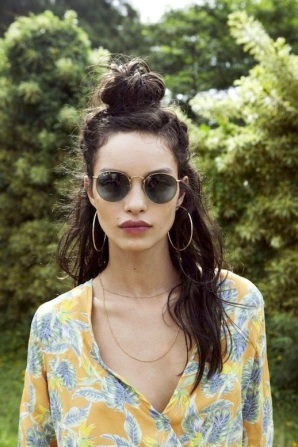8-Le-Fashion-Blog-20-Inspiring-Half-Up-Top-Knot-Hairstyles-Long-Brown-Wavy-Hair-Bun-Via-For-Love-And-Lemons