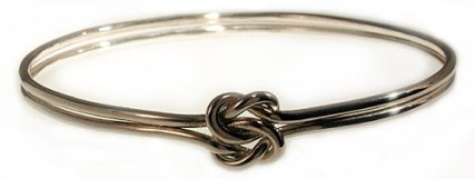 true-lovers-knot-bracelet~100