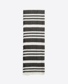 From Markası: ZARA Price Fiyat: 69.95 TL Link: http://www.zara.com/tr/en/woman/accessories/view-all/soft-striped-scarf-c733915p2814494.html