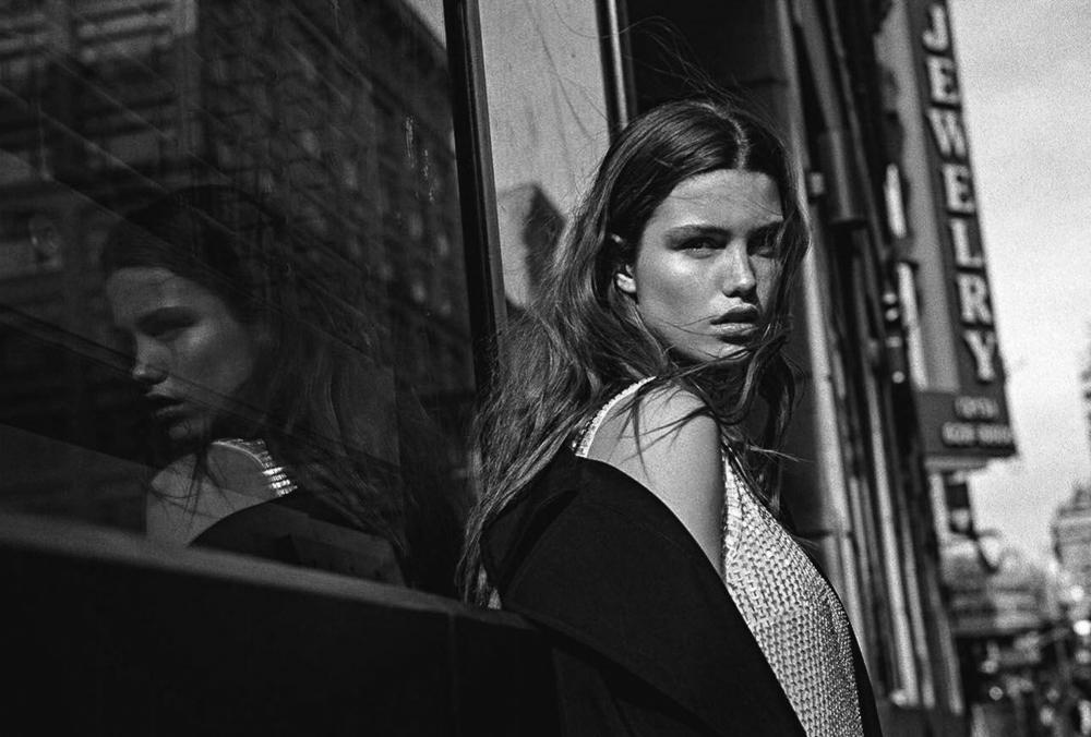 Vogue-Australia-May-2016-Luna-Bijl-by-Sebastian-Kim-2