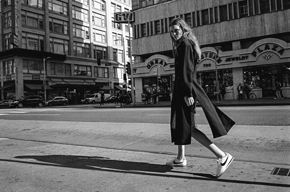 Vogue-Australia-May-2016-Luna-Bijl-by-Sebastian-Kim-3