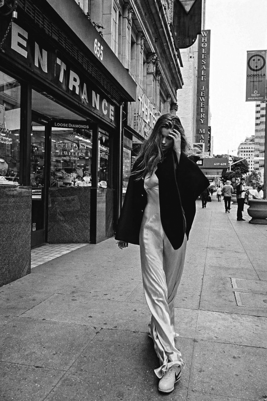 Vogue-Australia-May-2016-Luna-Bijl-by-Sebastian-Kim-7