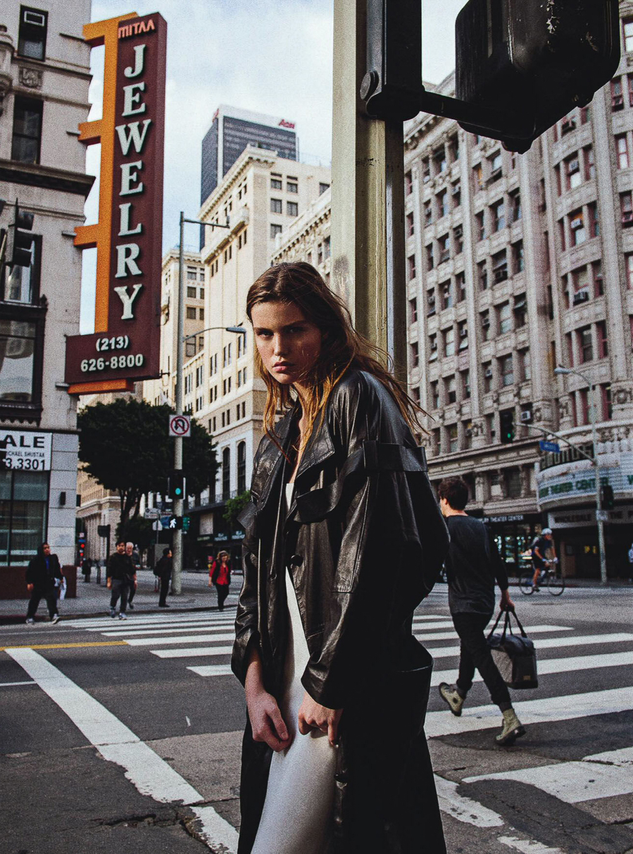 Vogue-Australia-May-2016-Luna-Bijl-by-Sebastian-Kim-9