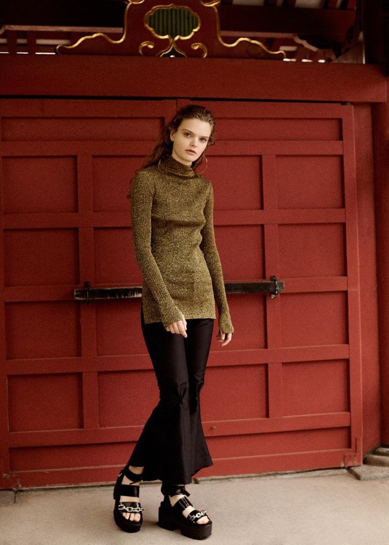 Martha-Wiggers-Fashion-Editorial-Tokyo-By-OracleFox-Journal-FashionWonderer (1)